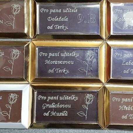 Tabulky cokolady z cokoladovym venovanim